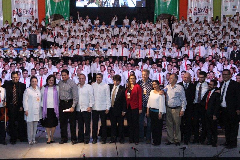 21 Feb - Concierto Monumental Alegria Mazatlán (1)