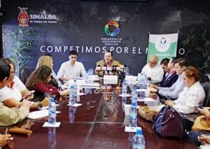 El gas natural será pieza clave para el impulso en la industrialización de diversos sectores de la economía de Sinaloa, consideró el Secretario de Desarrollo Económico del estado Francisco Labastida Gómez de la Torre, al dar a conocer pormenores de la participación de Sedeco en la Expo Agro 2016.