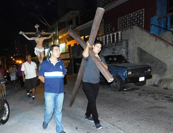 Procesión del Silencio Mazatlán en Capilla Milagrosa 2016