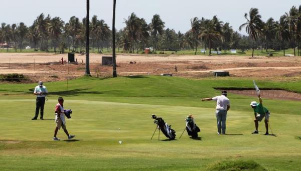 Como parte de las primeras actividades de la tercera edición del torneo de golf Mazatlán Open 2016, hoy se llevó a cabo la competencia ProAm en el complejo Estrella de Mar, en el que jugadores profesionales y amateurs participaron en pruebas preliminares al arranque oficial del torneo.
