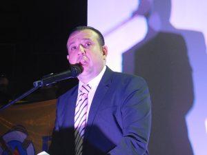 Esta noche, tomó protesta la directiva que representará a Canirac Delegación Mazatlán para el periodo 2016-2017, ratificando en la presidencia al Francisco Lizárraga Sánchez, quien le ha imprimido un sello diferente al organismo intermedio.