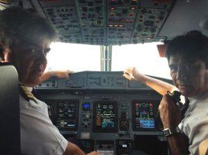 Capitán Gerardo Frutos Santa Cruz y el Primer oficial Roberto Medina