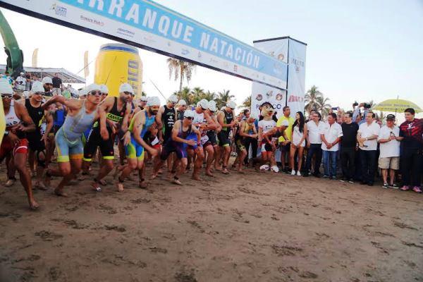 Gran Triatlón Pacífico Mazatlán 2016 Arranque