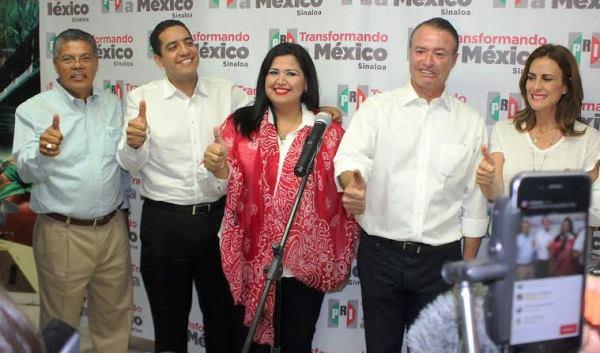 """Quirino Gana Guberntura d eSinaloa 2016Tenemos la certeza, de acuerdo con tendencias electorales mostradas por siete casas encuestadoras, que el PRI ha recuperado la gubernatura de Sinaloa, afirmó en medio de una celebración la dirigente Rosa Elena Millán Bueno quien acompañó al candidato Quirino Ordaz Coppel en rueda de prensa donde, quien se perfila a ser gobernador electo, exhortó a la unidad, a trabajar en equipo y a la civilidad porque, enfatizó, """"todos somos Sinaloa""""."""
