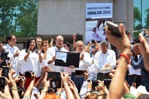 Quirino Ordaz Recibe Constancia de Mayoriía Gobernador 2016