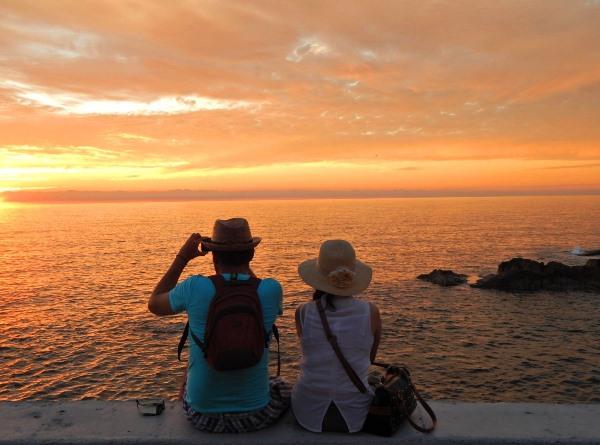 Mazatlán Navega con viento en popa en Cruceros