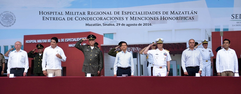 Peña Nieto Inauguración Hosiptal Militar Mazatlán 2016-10