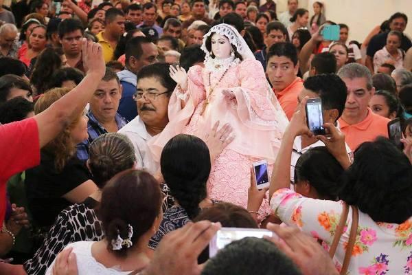 Celebra el Día de la Santísima Virgen del Rosario