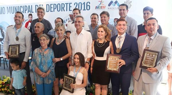 Deportistas y Entrenados del año 2016 Mazatlán Premio