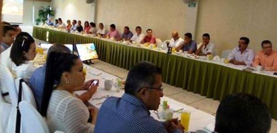 Reunion Hoteleros Resultados Encuesta Verano 2016 Recorte Presupuesto Federal 2017