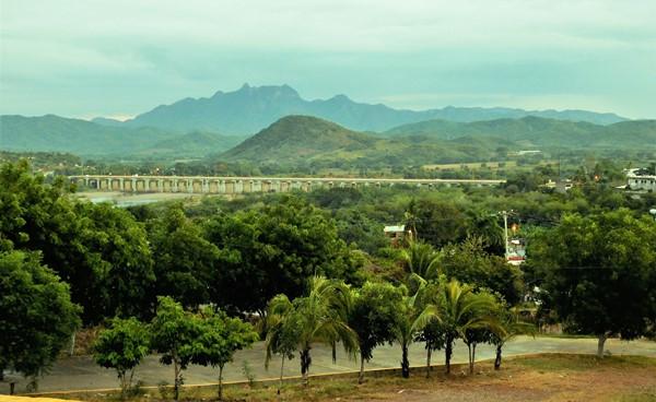 Vitas del río Baluarte y el cerro Yauco