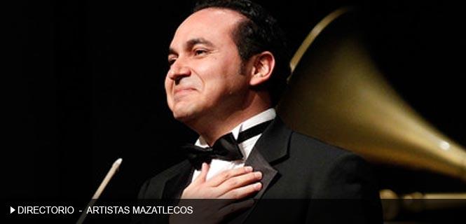 Adán  Pérez entrevista Mazatlán Interactivo