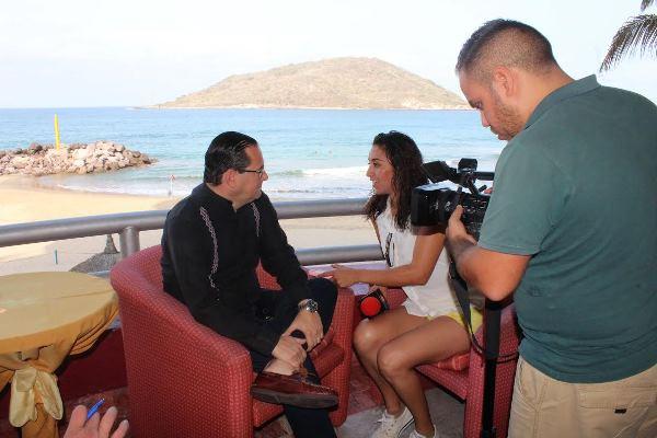 Periodistas de Durango hacen viaje de familiarización a Mazatlán