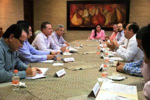 Ratifica el gobernador respaldo al sector comercio de Sinaloa