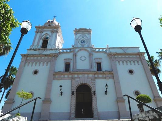 Templo de San Ignacio de Loyola en El Pueblo Señorial de San Ignacio de Loyola, San Ignacio, Sinaloa, México