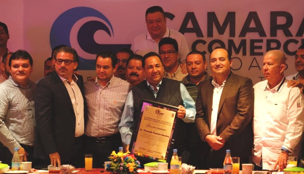Reconocimiento Organismos Empresariales Fernando Pucheta Alcalde de Mazatlán 2017