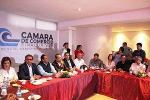 Reconocimiento Organismos Empresariales Fernando Pucheta Alcalde de Mazatlán 2017 Guillermo Romero Rodríguez